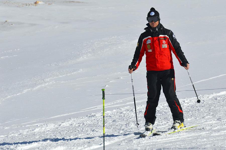 Profesor de la Escuela Española de Esquí y Snowboard de San Isidro.
