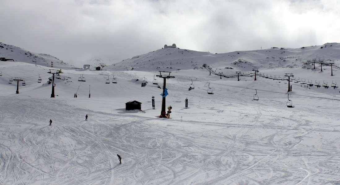 Sierra Nevada acumula más nieve y empieza a preparar Loma de Dílar