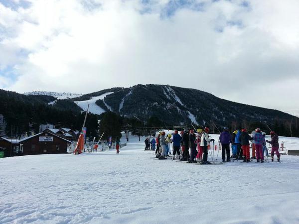 Construcción de iglús, Boardercross para riders, Carnaval, cata de altura… actividades de las estaciones del Grup FGC para esta semana