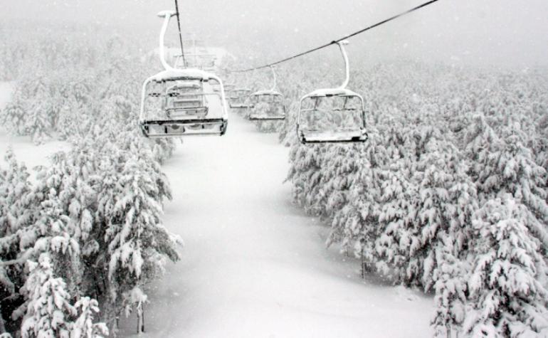 Espesores de hasta tres metros y nieve recién caída en Aramón