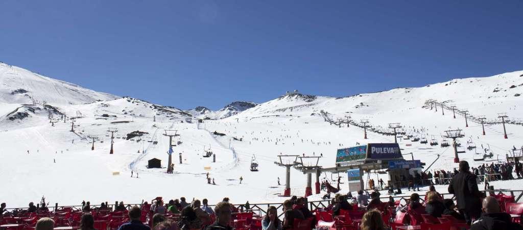 Sierra Nevada afronta la segunda parte de la  Semana Santa con todas las zonas abiertas