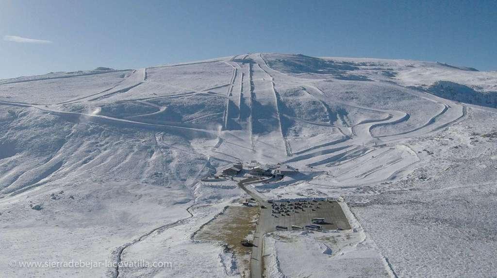 Béjar pide a la Junta crear más pistas de esquí en La Covatilla