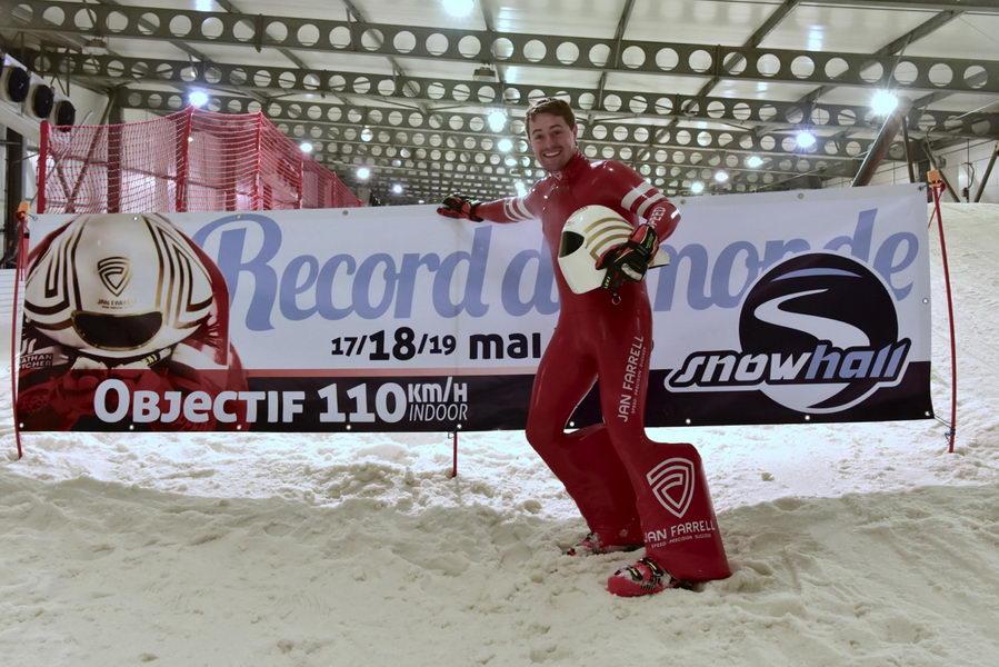 Jan Farrell bate el récord del mundo de pista cubierta