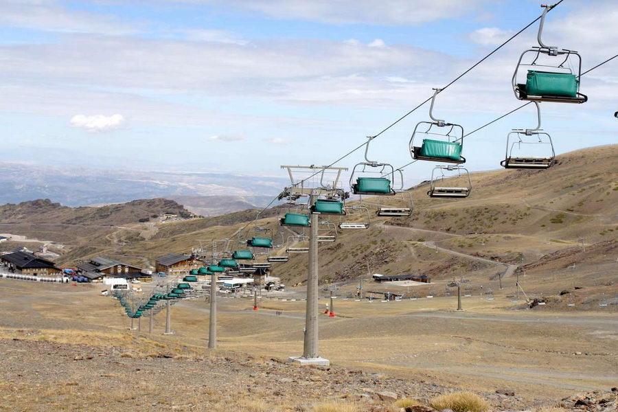 Sierra Nevada concluye las pruebas de carga en remontes para la temporada 2015/16