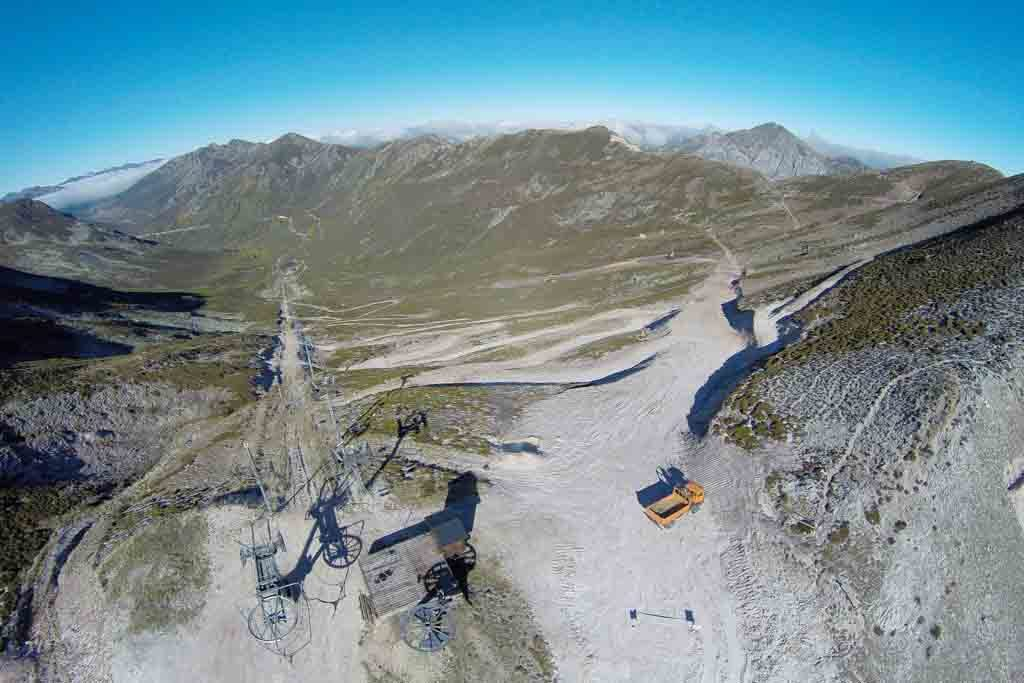 Obras de ampliación y ensanche de la pista Del Oso en Riopinos