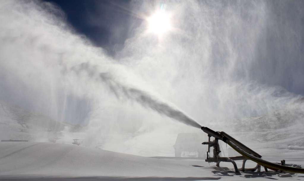Sierra Nevada pone en marcha el sistema de nieve producida