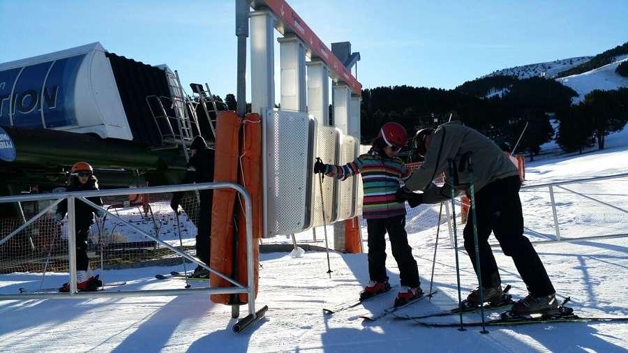 Todas las estaciones de esquí de FGC abrirán para el Puente de la Purísima