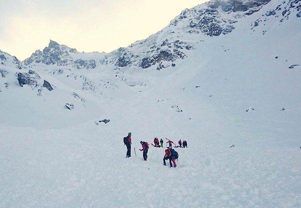 Mueren cinco esquiadores y dos más quedan heridos tras una avalancha