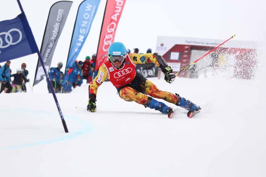 Primeras carreras FIS para el equipo RFEDI masculino de esquí alpino