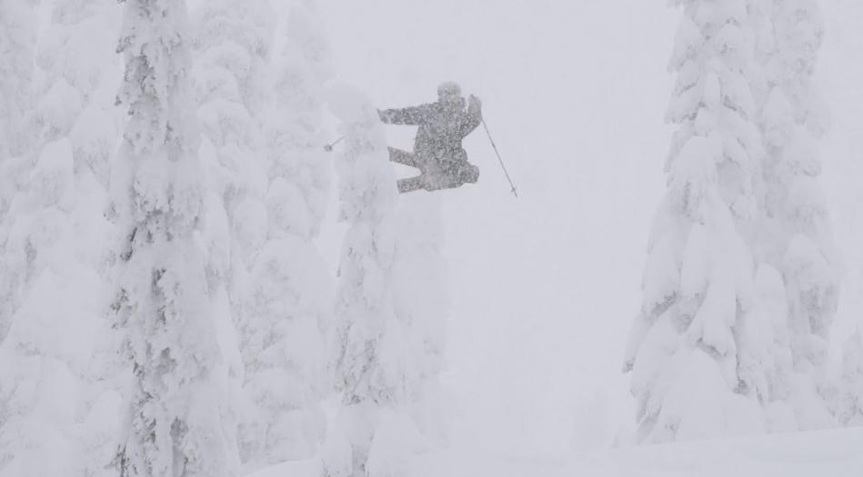Sammy Carlson, volando