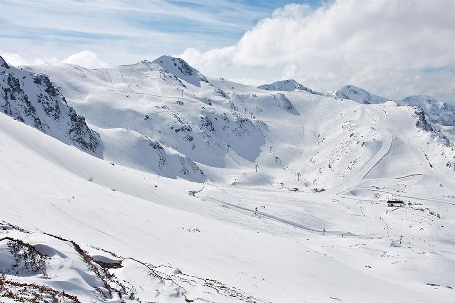Zona alta de la estación asturiana de Fuentes de Invierno.