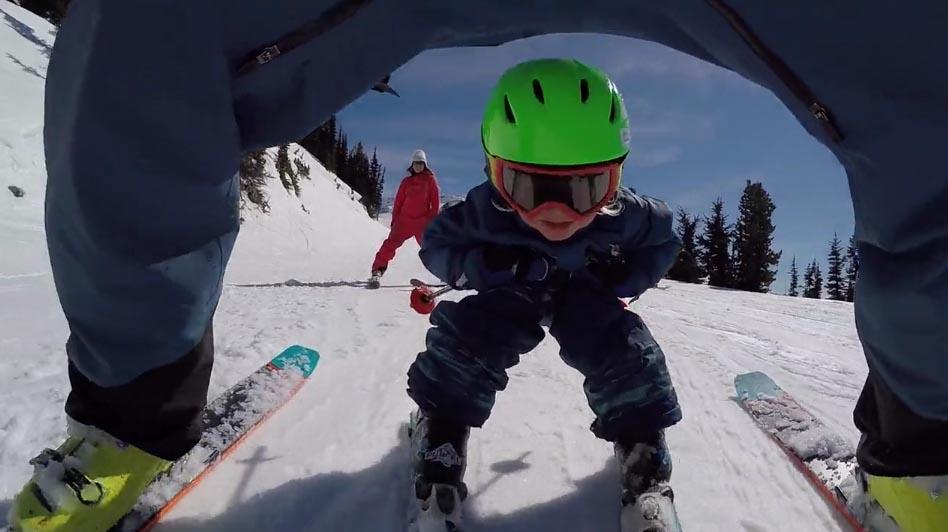 Vídeo: Kasper Treadway nos maravilla con dos añitos