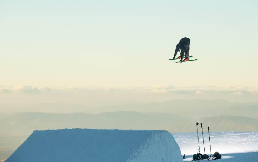 Sierra Nevada 2017 prueba la línea de slopetyle con una exhibición al atardecer, a 50 días del Mundial