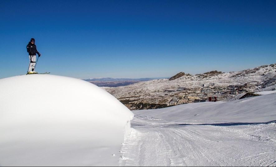 Sierra Nevada abre Loma de Dílar y estrena el esquí nocturno