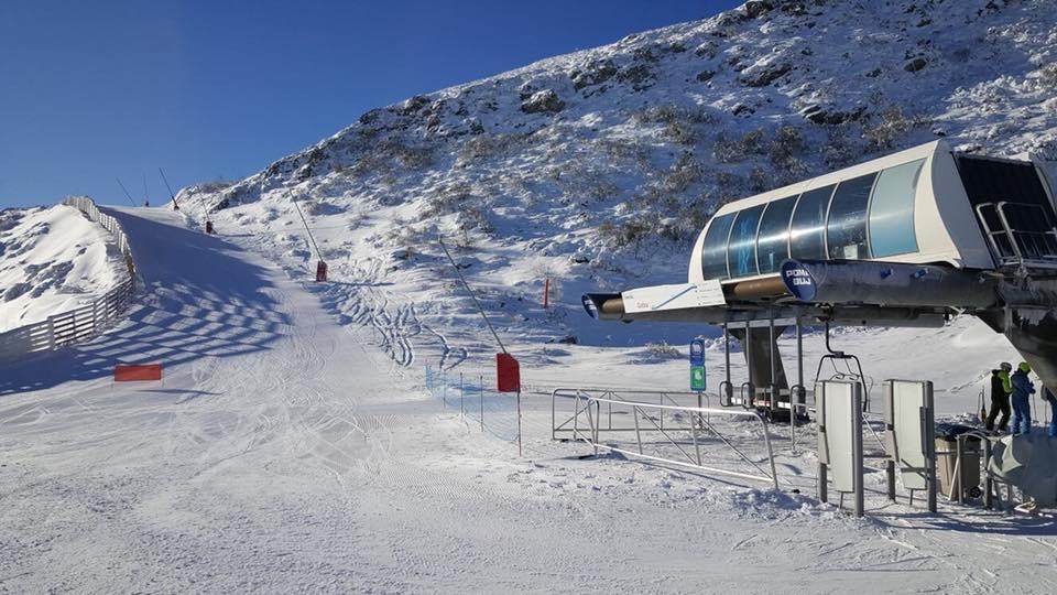 Más de 1.300 esquiadores en Leitariegos y San Isidro este fin de semana