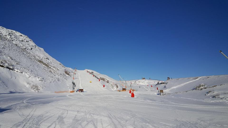 Más de 7.000 esquiadores en León por el Puente festivo