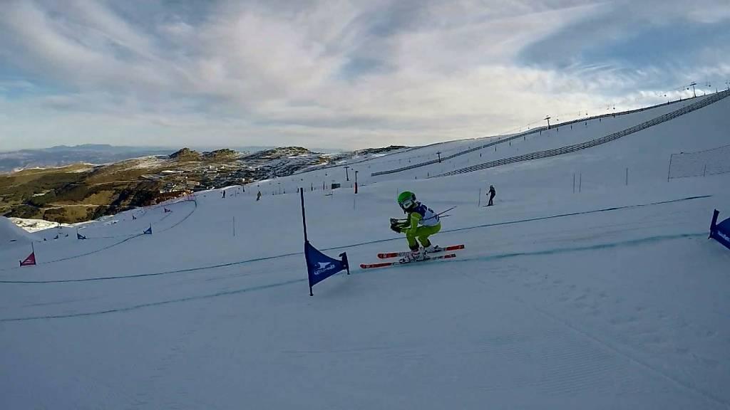 Trescientos niños compiten en la Skicross alevín y el Trofeo María José Rienda