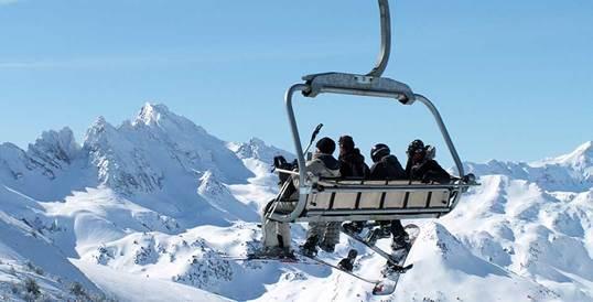 La estación de Ax-3-Domaines todo un coloso de la nieve