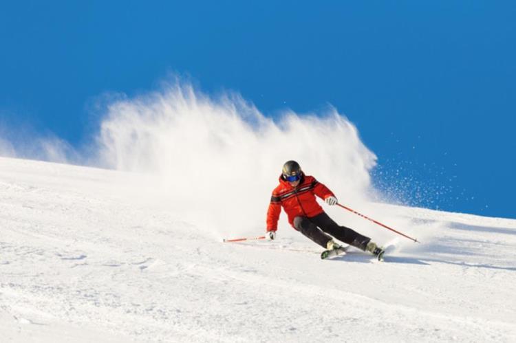 El Día del Esquiador aterriza en Candanchú con forfaits a 25 euros para todos los públicos