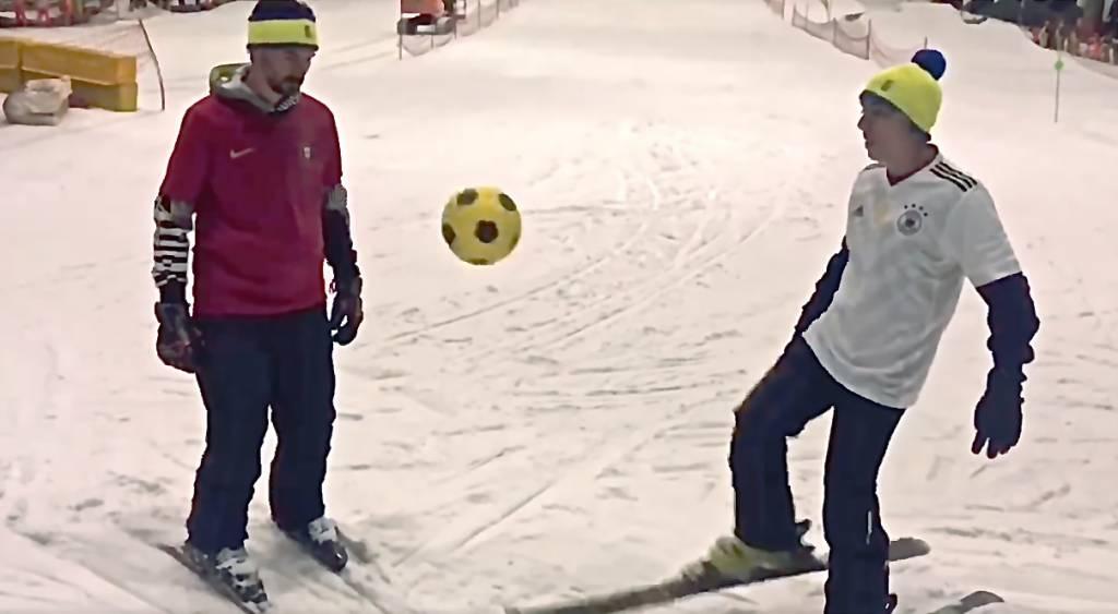 Mundial de fútbol y esquí en Madrid Snowzone.