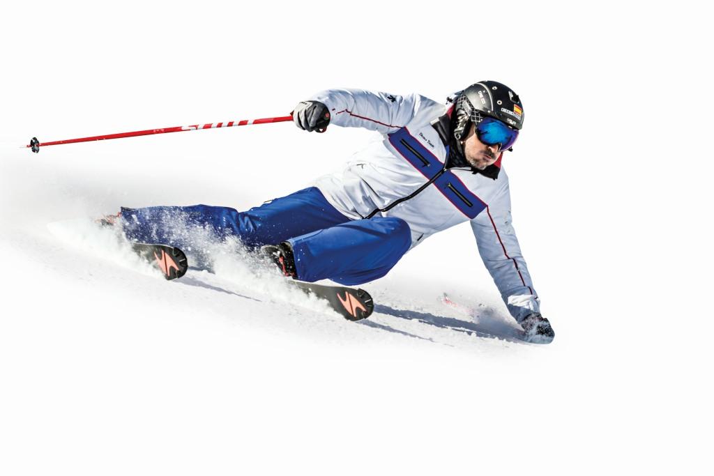 técnica de esquí inclinar en los virajes