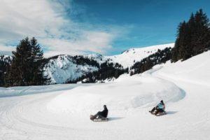 Saca a tu niño interior, y disfruta de Suiza en trineo