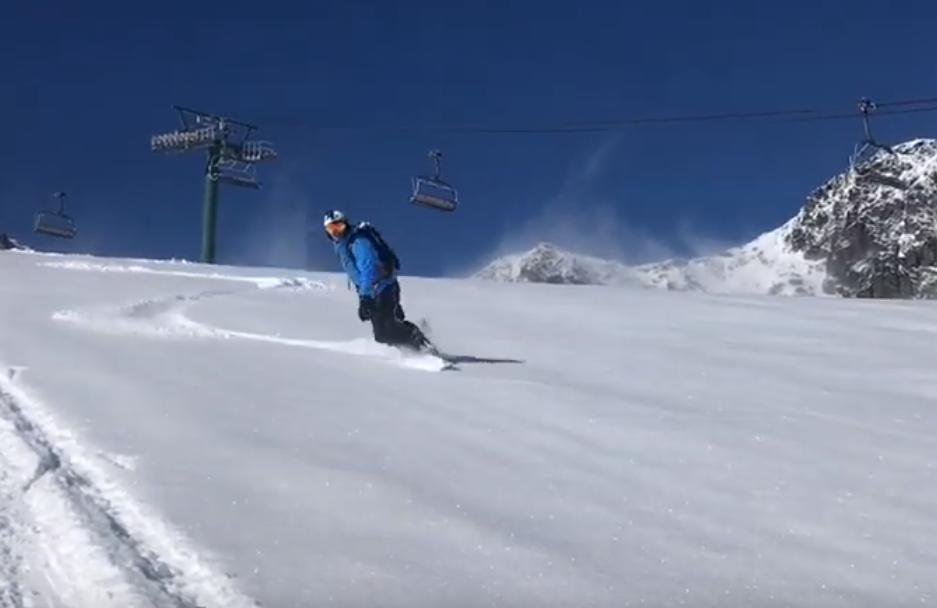 Esquiando en Ordino a mediados de junio