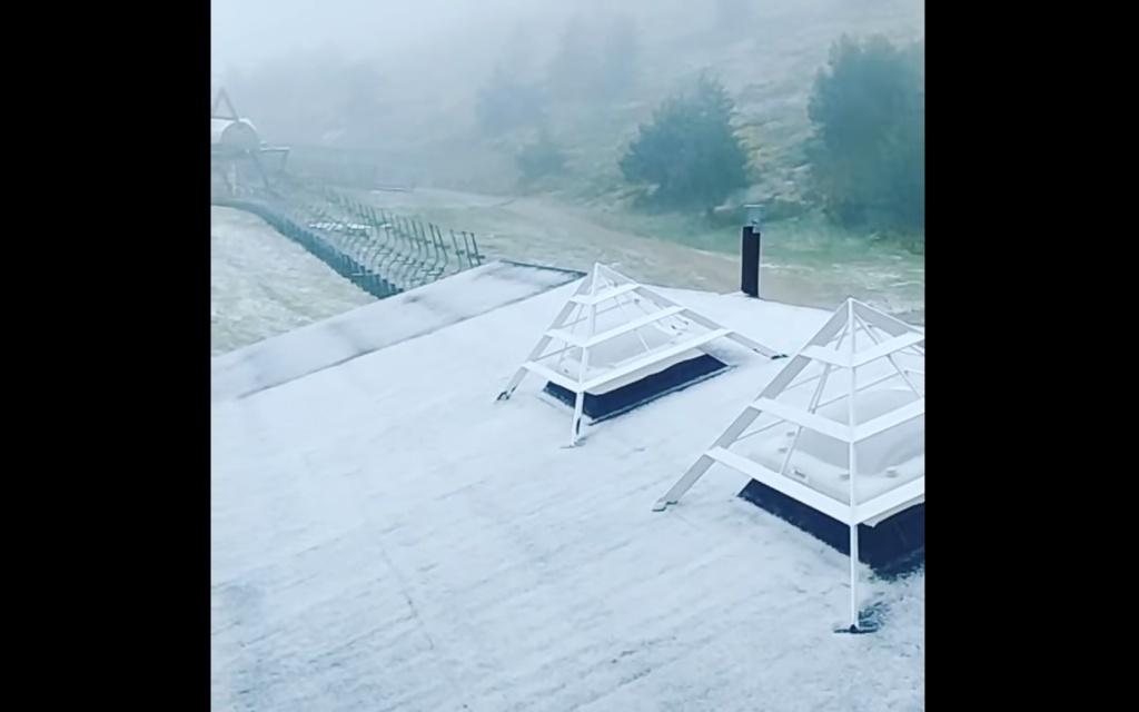 nevando en Valdesquí