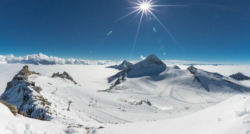 Austria y Francia cierran estaciones esquí COVID