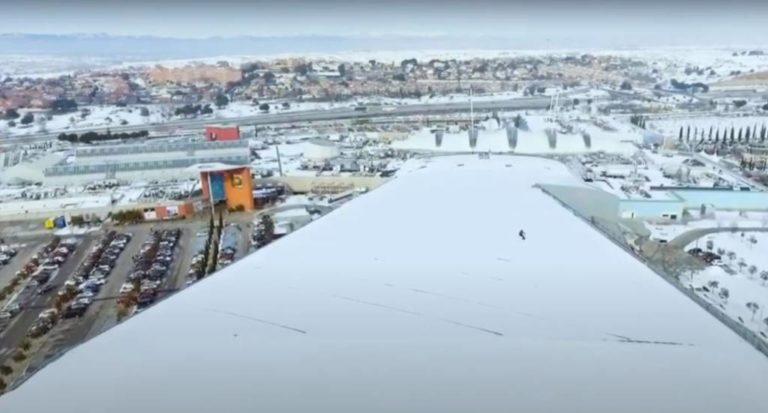 Abriendo pista en el tejado de SnowZone